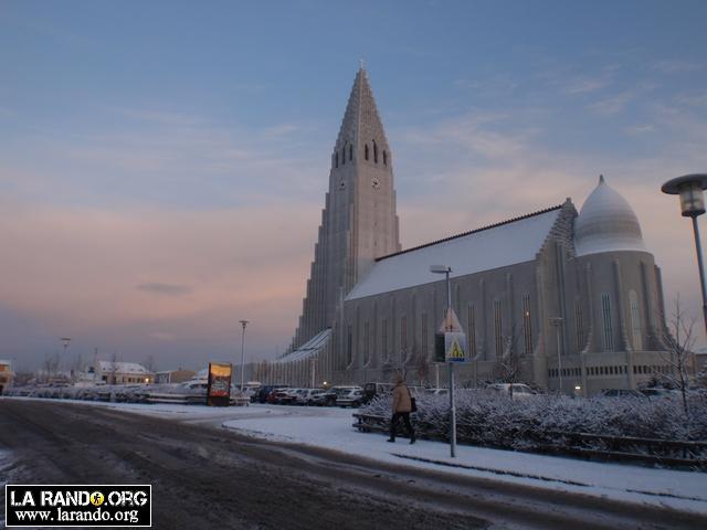 La capitale de l'Islande sous la neige