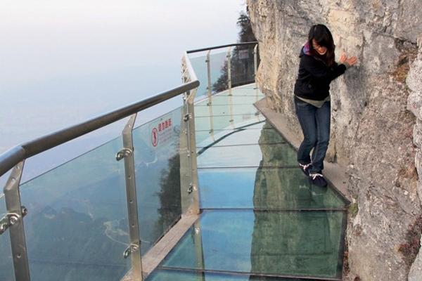 Une passerelle de verre au Mont Blanc ?