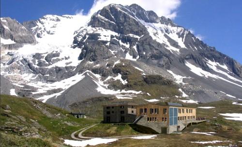 alpes un refuge 100 nergie renouvelable magazine rando trekking. Black Bedroom Furniture Sets. Home Design Ideas