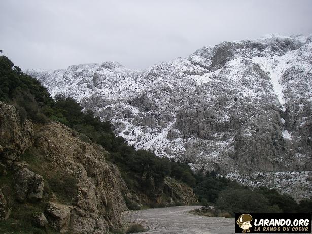 Photos du sommet Talaguilef en Algérie