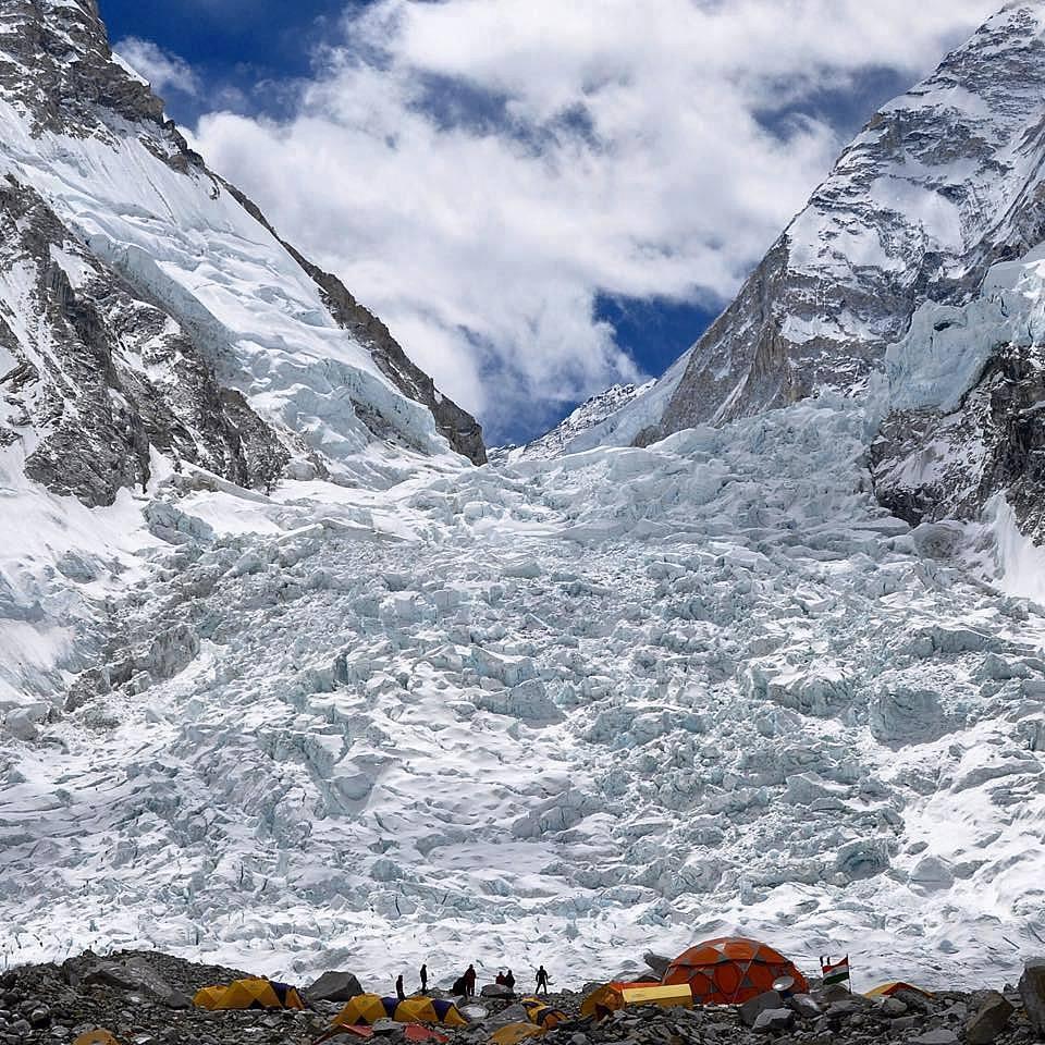 1. Cascade de glace de khumbu (5305 m. )